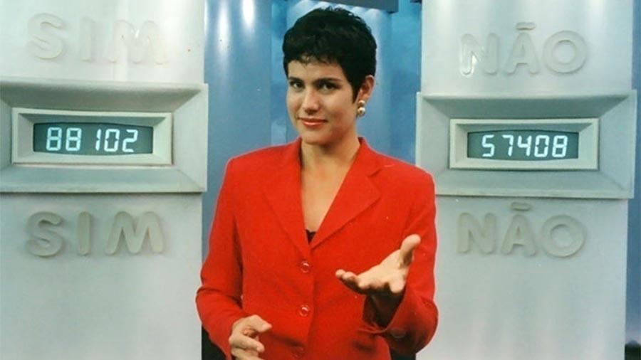 """Renata Ceribelli apresentou o """"Você Decide"""" nos anos 90"""