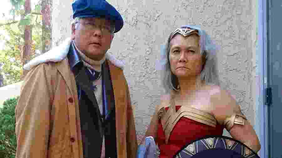 Mulher Maravilha e Steve Trevor, são vocês? - Reprodução/Facebook