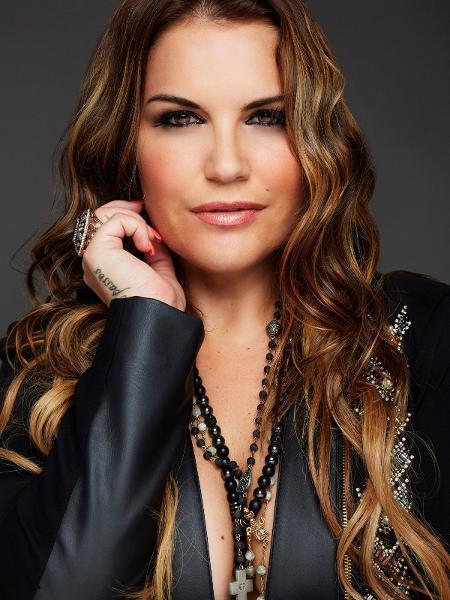 Cantora Katia Aveiro, irmã de CR7 - Paulo Neves