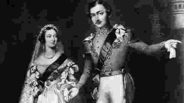 """Quando a Rainha Vitória conheceu o príncipe Albert aos 17 anos, escreveu em seu diário que ele tinha """"grandes olhos azuis"""" e uma """"boca doce"""" - Getty Images"""