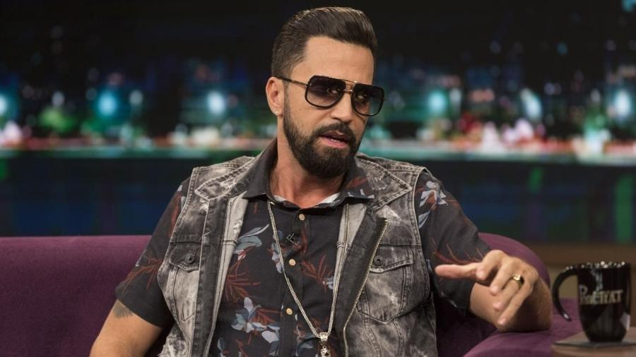 "Latino no ""Programa do Porchat"" - Antonio Chahestian/Record TV"
