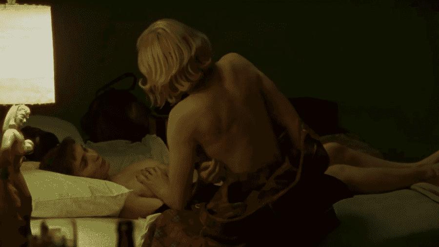 """Rooney Mara e Cate Blanchett em cena de """"Carol"""" (2015) - Reprodução"""