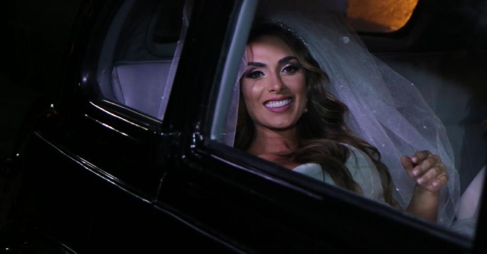 Nicole Bahls chega à igreja da Candelária para casamento com Marcelo Bimbi