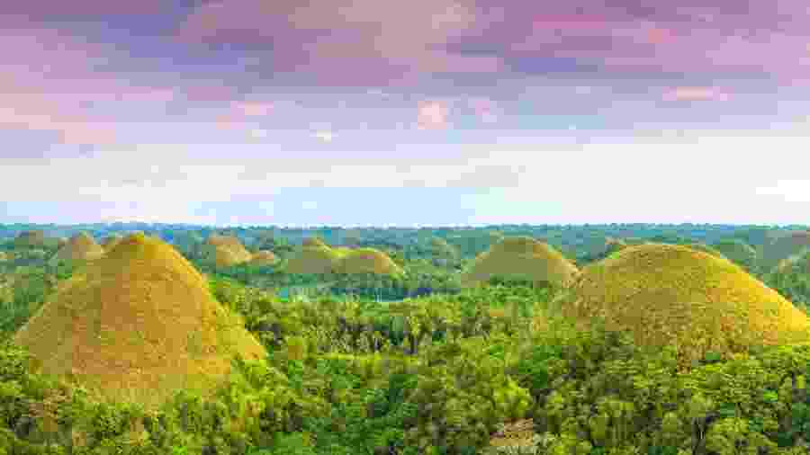 As Chocolate Hills ficam na província de Bohol, nas Filipinas  - GoodOlga/Getty Images/iStockphoto