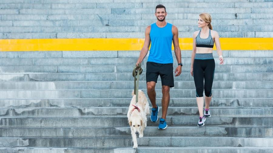 Caminhar melhora o humor, o sono, a autoestima e ajuda a driblar doenças como diabetes, infarto, AVC - iStock