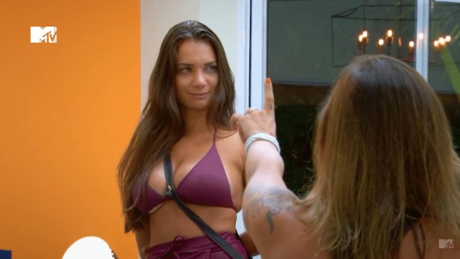 """Stéfani Bays no """"De Ferias com o Ex Brasil: Celebs"""" - Reprodução/MTV"""