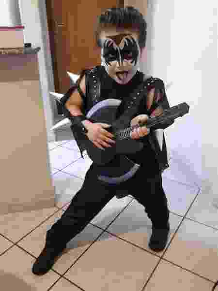 Heitor, garoto de cinco anos fã da banda Kiss - Aline Labaki/Acervo pessoal