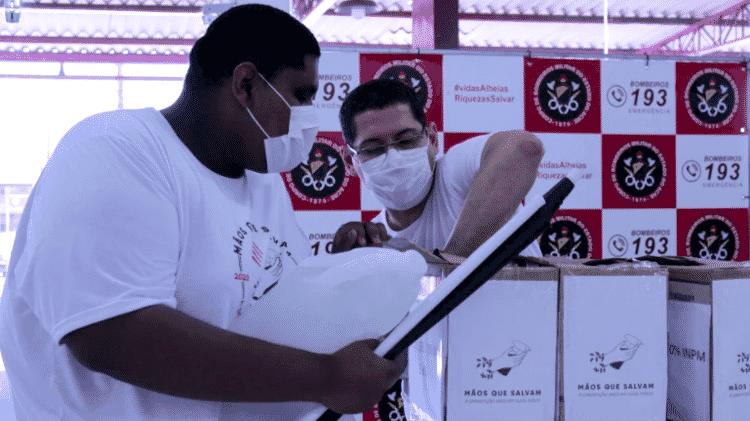 O projeto Mãos que Salvam fez sua primeira entrega de álcool em gel para trabalhadores essenciais no Acre - Caique Brasil - Caique Brasil