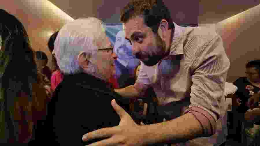 Erundina (esq.) voltará a ser candidata a vice-prefeita depois de 35 anos; seu companheiro de chapa é Boulos, do MTST - Arquivo - Nelson Antoine/Folhapress