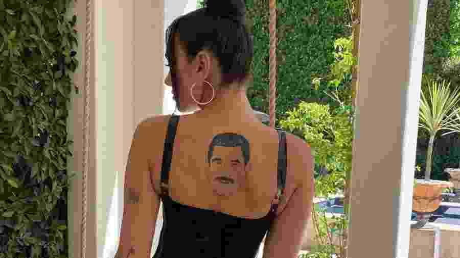 """Dua Lia mostra sua """"tatuagem"""" de Guillermo Rodriguez nas costas - Reprodução/Instagram"""