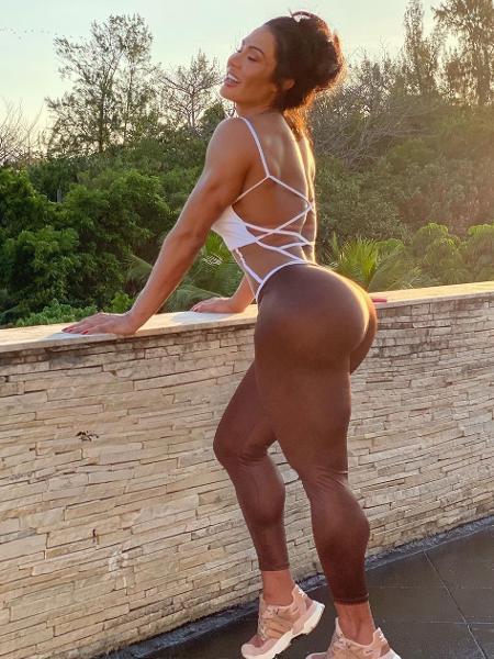 A influenciadora disse que fortaleceu muito as pernas e o abdome no treinamento e se esqueceu de trabalhar a região dorsal - Reprodução do Instagram @graoficial