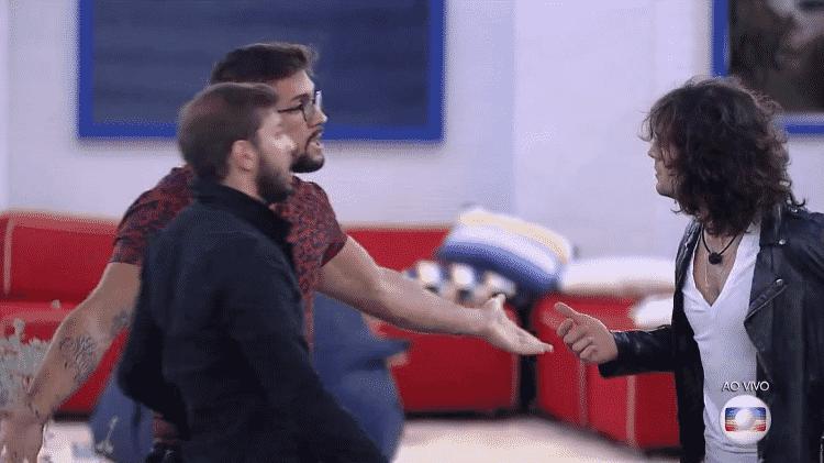 BBB 21: Arthur e Fiuk discutem durante o jogo da discórdia da última semana - Reprodução/Globoplay - Reprodução/Globoplay