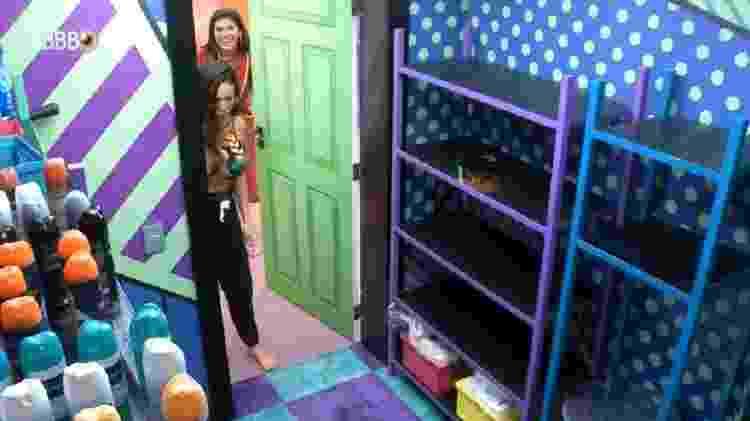 BBB 21: Juliette corre para a despensa pensando que a produção mandou cooler - Reprodução/Globoplay - Reprodução/Globoplay
