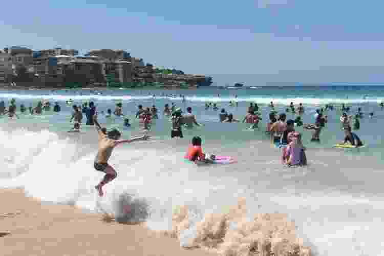Habitantes lotam praia de Sydney, em janeiro de 2021 - Brook Mitchell/Getty Images - Brook Mitchell/Getty Images