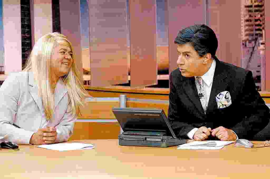 """Shaolin e Tom Cavalcante gravam o programa de humor """"Show do Tom"""", na Record, em 2005 - Antonio Chahestian/TV Record"""