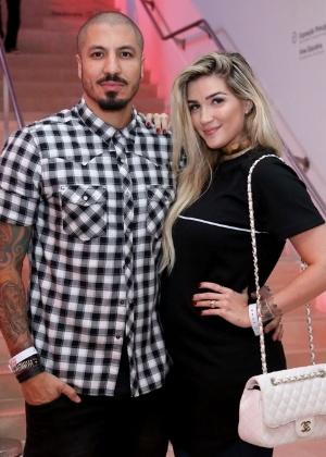 Ex-BBB Aline Gotschalg vai a festa acompanhada de Fernando - Roberto Filho / Brazil News
