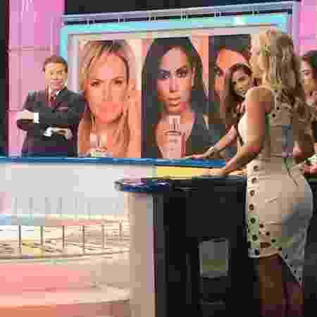 """Anitta, Eliana e Patricia Abravanel gravam o programa """"Roda a Roda"""" com Silvio Santos - Reprodução/Instagram/eliana"""