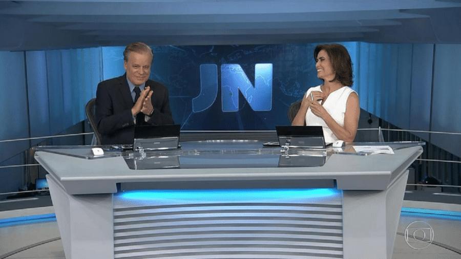 """Chico Pinheiro encerra """"Jornal Nacional"""" batendo palma para catador de lixo - Reprodução/TV Globo"""