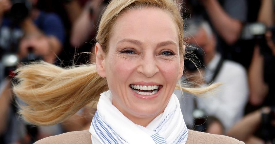 A atriz Uma Thurman posa para fotos durante o festival de cinema de Cannes, na França