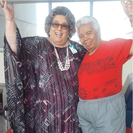 Roque recebe a visita de Mamma Bruschetta no hospital - Reprodução/Instagram/mammabruschetta