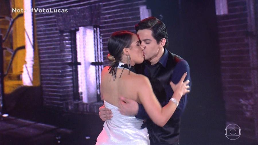 Lucas Veloso e sua professora, Nathalia Melo, dançam tango - Reprodução/TV Globo