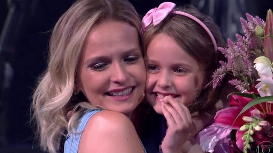 Fernanda Rodrigues se emociona com homenagem da filha, Luisa - Reprodução/TV Globo