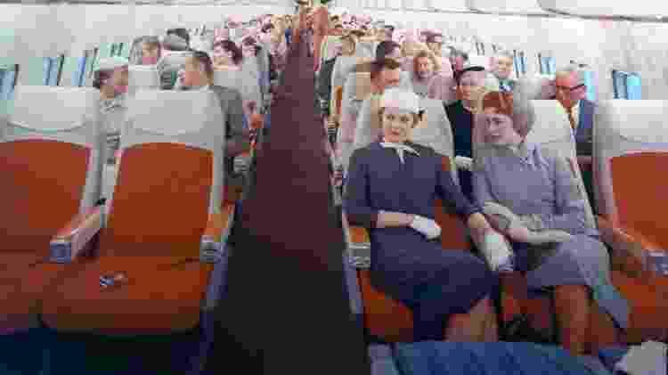 Foto dos anos 50 mostra como as pessoas se vestiam para fazer uma viagem aérea - Divulgação/Boeing - Divulgação/Boeing