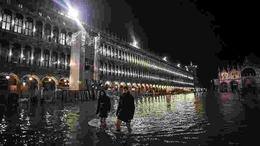 Na madrugada do dia 13 de novembro, Veneza, na Itália, teve a maior inundação dos últimos 50 anos - Marco Bertorello/AFP