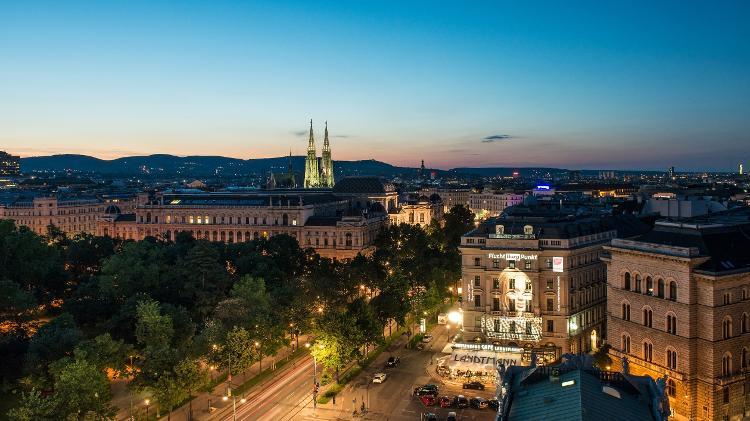12 horas : Uma volta pela Viena das artes, história e sabores