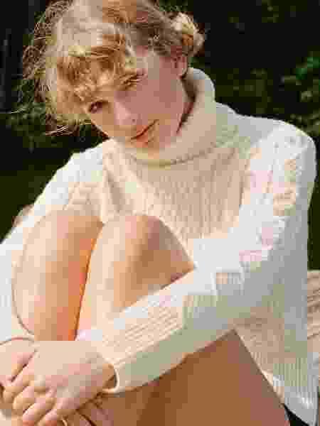 Taylor Swift - folklore - Beth Garrabrant - Beth Garrabrant