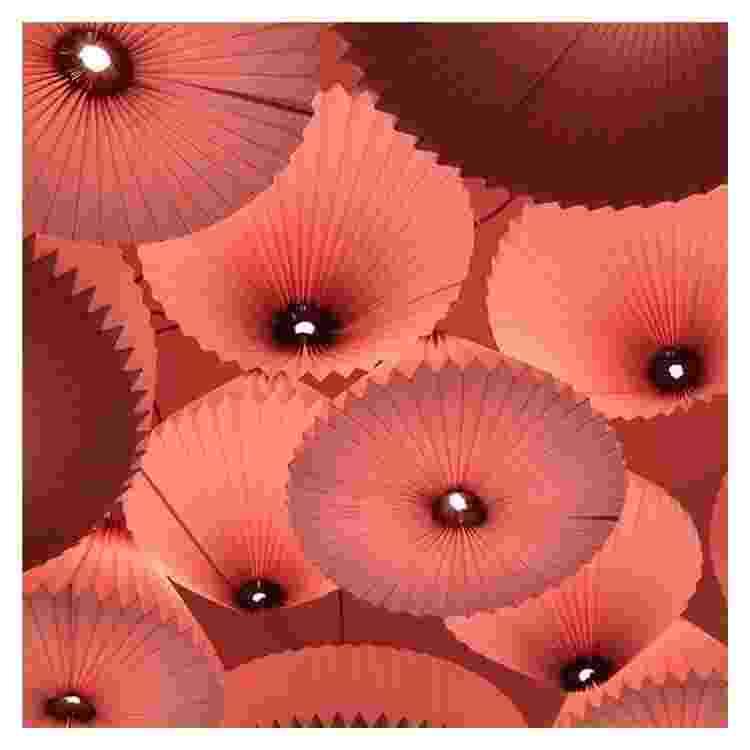Luminárias de papel na cor rosa - Reprodução/Instagram - Reprodução/Instagram