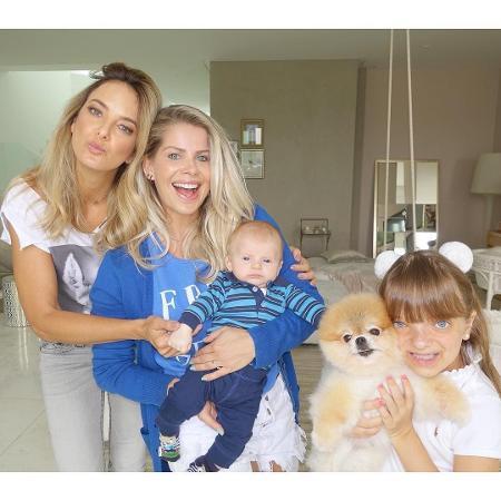 Ticiane Pinheiro, Karina Bacchi com o filho, Enrico, e Rafaella Justus com Fofíta - Reprodução/Instagram