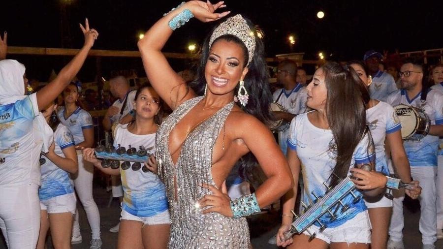 Cinthia Santos é rainha de bateria da Águia de Ouro - Fausto Júnior/Divulgação