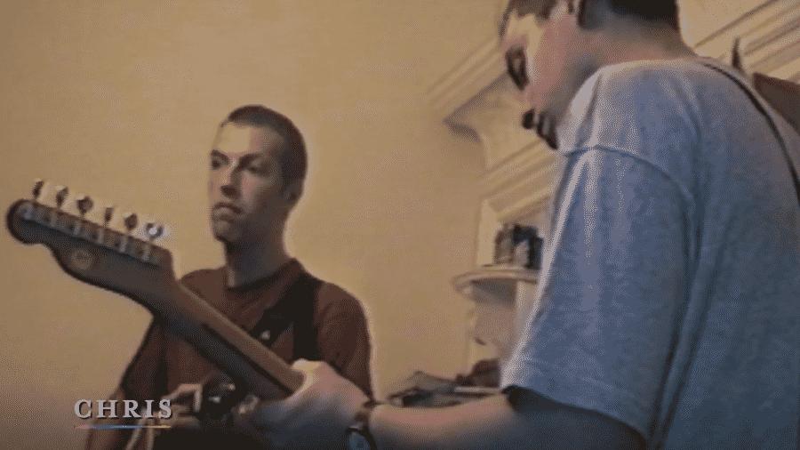 """Chris Martin em cena do documentário """"A Head Full of Dreams"""" - Reprodução"""