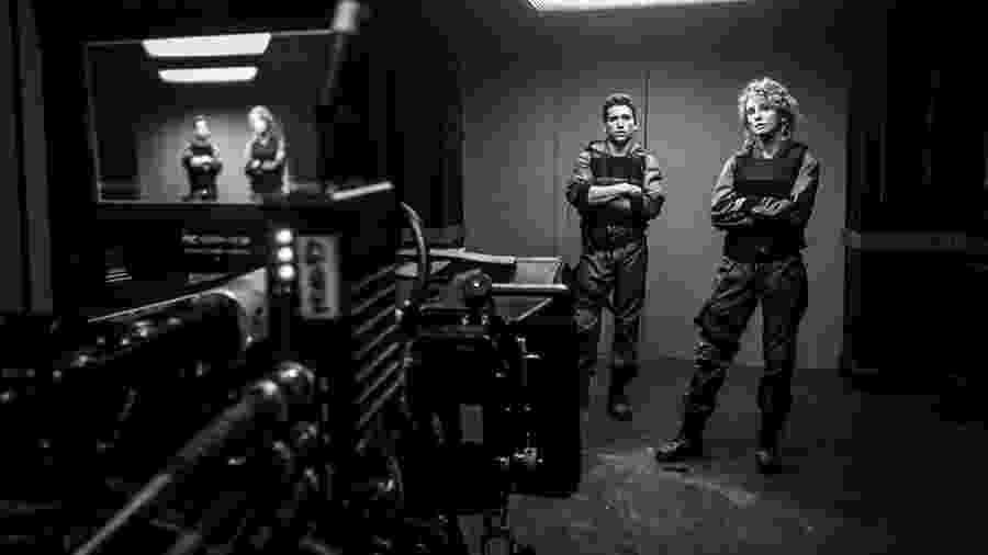 Jaime Lorente e Esther Acebo nos bastidores de La Casa de Papel - Reprodução/Instagram