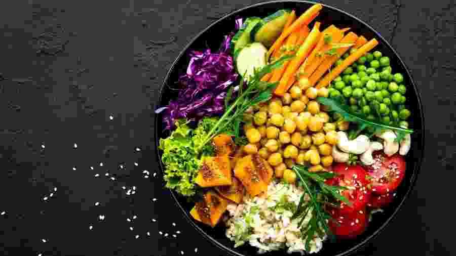 Para ter saúde, consuma mais alimentos frescos e menos processados - iStock