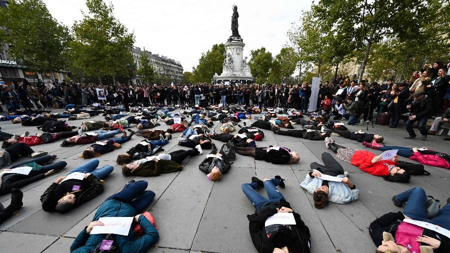 Mulheres reúnem-se em Paris para protestar contra violência doméstica -