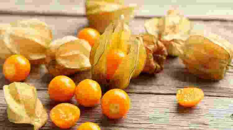 physalis frutas exóticas - iStock - iStock