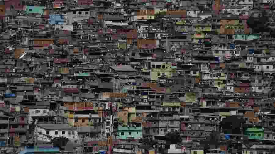 22 Ago. 2018 - Vista geral da favela do Alemão no Rio de Janeiro - Fabio Teixeira/picture alliance via Getty Image