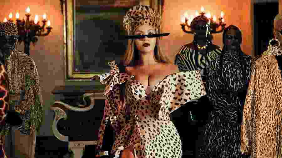 Zerina Akers contou que o processo criativo tentou misturar grandes nomes da moda com novos talentos - Divulgação/Disney+