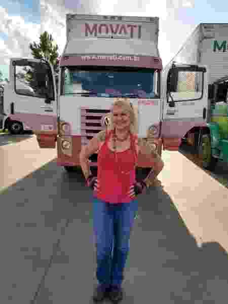 Ruzimelia Basso, a Ruzimel, 53 anos, de SP, é caminhoneira há 14 anos - Arquivo pessoal - Arquivo pessoal