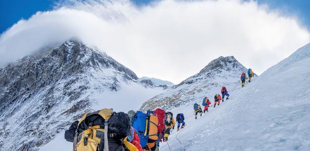 'Mais difícil que o Everest' | Recordista e outros alpinistas ficam retidos no Nepal por pandemia