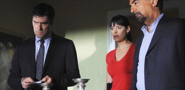 """Thomas Gibson (à esq,) foi demitido de """"Criminal Minds"""" após briga com escritor. Na imagem, cena do primeiro episódio da sexta temporada - Divulgação"""