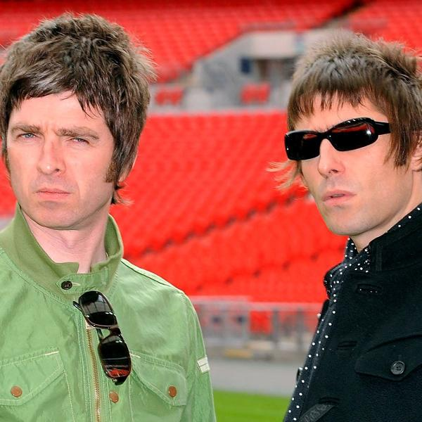 Or irmãos Noel Gallagher e Liam Gallagher, fundadores do Oasis