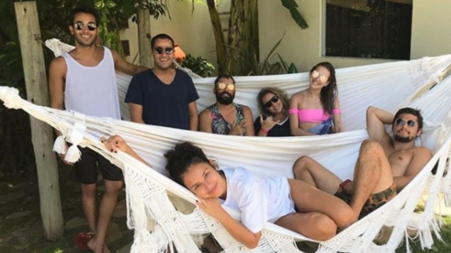 Yanna Lavigne e Bruno Gissoni aproveitam férias com amigos - Reprodução/Instagram/yannalavigne