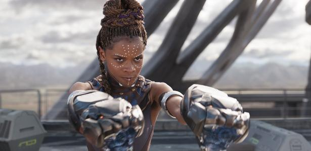 """Letitia Wright como Shuri em cena de """"Pantera Negra"""""""