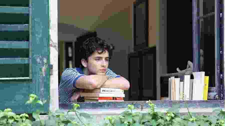 """""""Me Chame pelo Seu Nome"""" foi um dos poucos filmes com personagens LGBT produzidos por Hollywood em 2017 - Divulgação"""