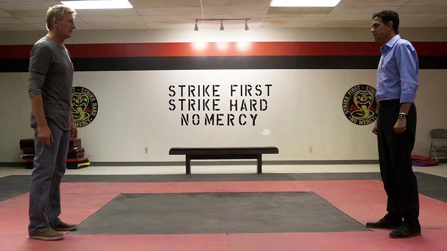 """Cena da série """"Cobra Kai"""", derivada do clássico """"Karate Kid"""" - Reprodução"""