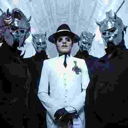 O Cardinal Copia com seus Nameless Ghouls, os instrumentistas do Ghost - Divulgação - Divulgação