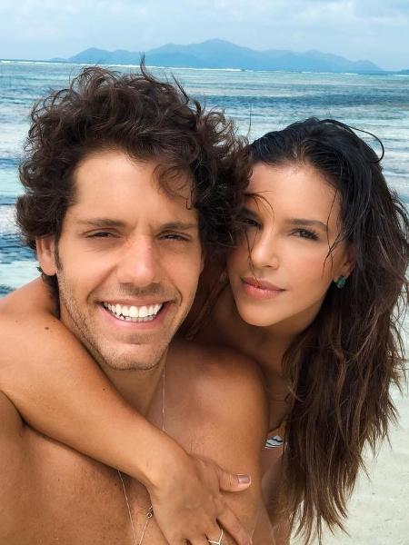 Mariana Rios e o namorado Rômolo Holsback - Reprodução/Instagram/marianarios